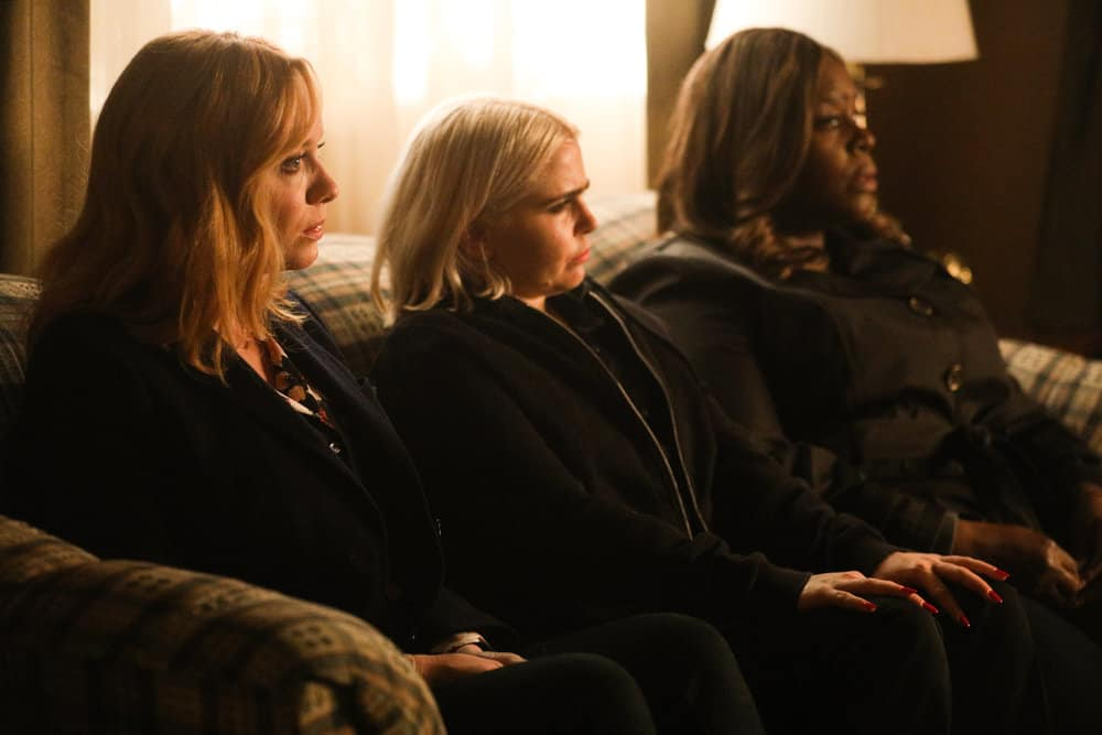 Good Girls Review: You Have Reached the Voicemail of Leslie Peterson