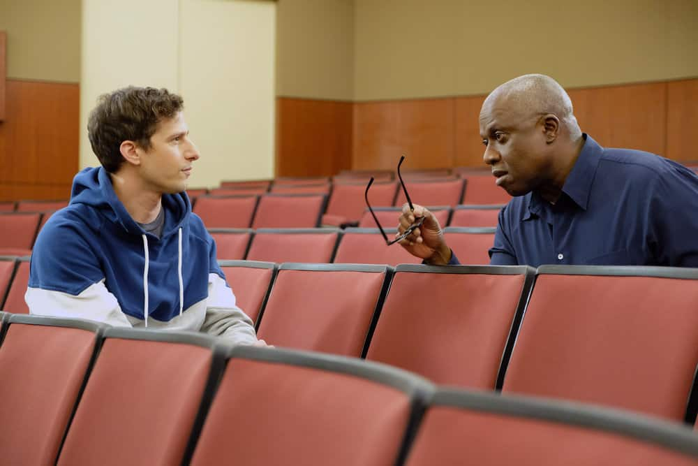 Brooklyn Nine-Nine Review: The Bimbo (Season 6 Episode 13) | Tell